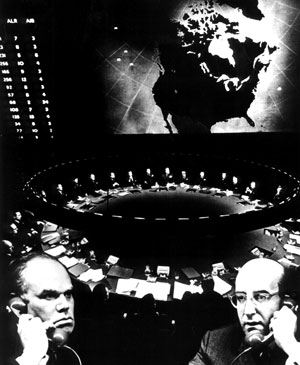 """The image """"http://www.filmmakermagazine.com/fall2004/line_items/images/strangelove1.jpg"""" cannot be displayed, because it contains errors."""