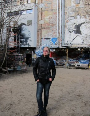 robbo in berlin for yelling to the sky filmmaker magazine. Black Bedroom Furniture Sets. Home Design Ideas